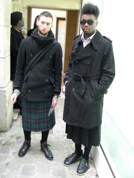 hommes en jupe