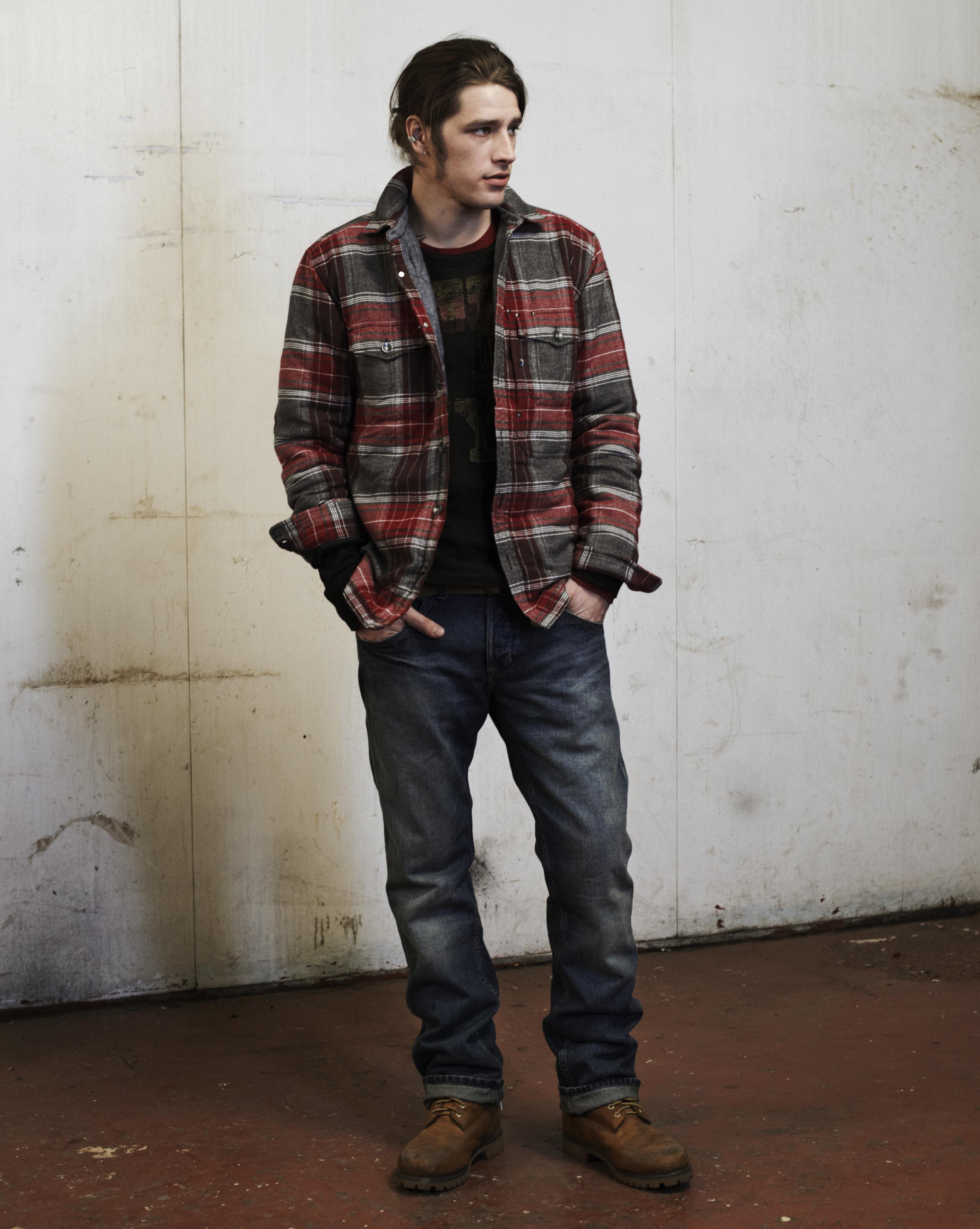 principales tendances de la mode homme hiver 2010 les chemises carreaux. Black Bedroom Furniture Sets. Home Design Ideas