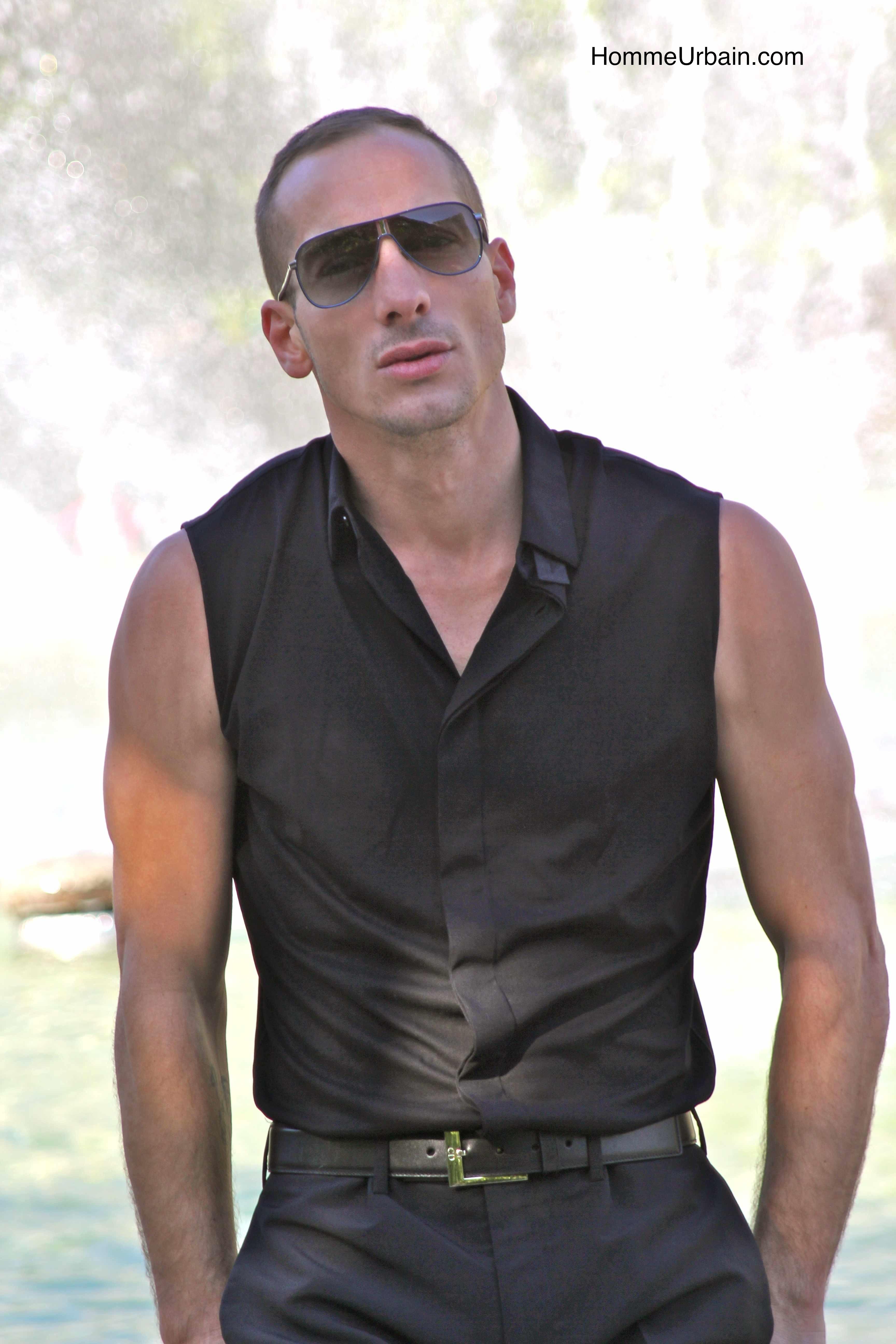 johan soudanne dior homme ete 14 chemise sans manche le. Black Bedroom Furniture Sets. Home Design Ideas