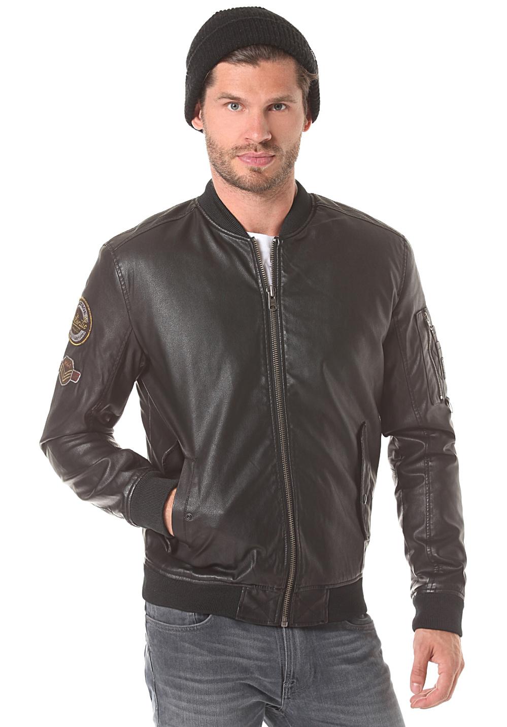 8 tendances mode homme sportswear automne hiver 2017 – 2018