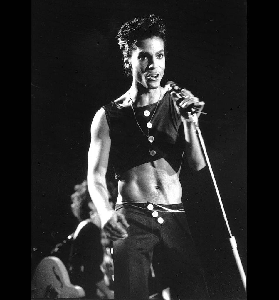 Prince en crop top