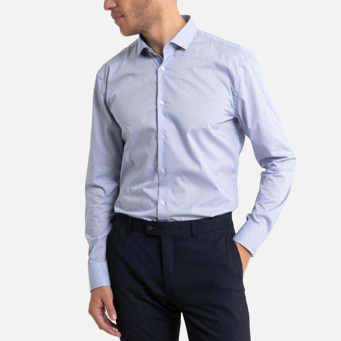 Chemise bleue indémodable pour le travail